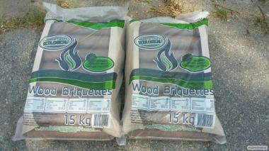 Брикеты из дерева в мешках по 15 кг