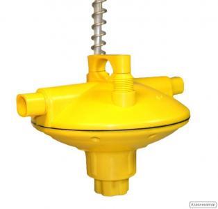 Регулятор тиску води для ніпельної напування птиці