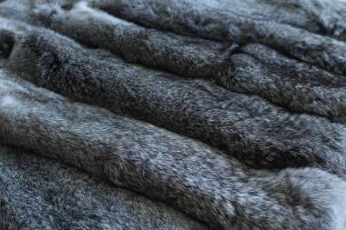 Шкуры кролика выделанные серые оптом продам.