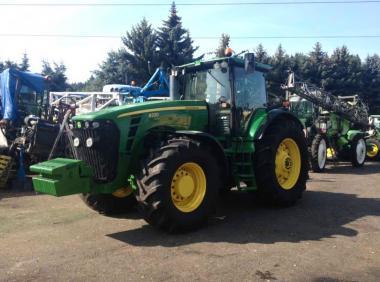 Трактор John Deere 8330 (2009)