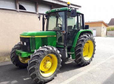 Трактор John Deere 6210 (2001)