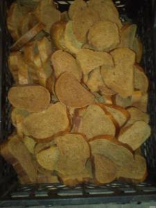 Продам хліб і сухарі