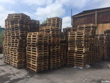 Продаж металевих, дерев'яних піддонів