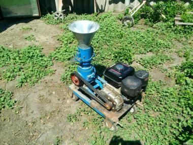 Гранулятор кормовий ГУК-50 з бензиновим двигуном (7 лс.)