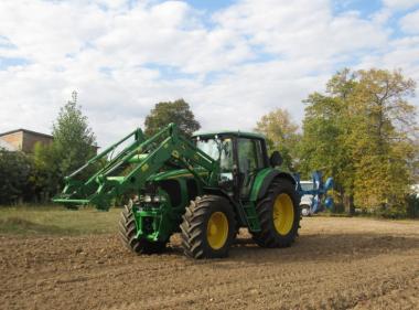 Трактор John Deere 6820 (2002)