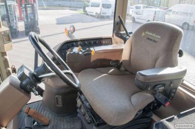 Трактор колісний John Deere 8320