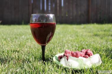 Натуральное малиновое вино