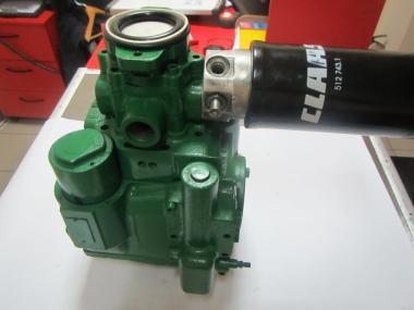 Продам гидромоторы на рассбрасыватели  удобрений