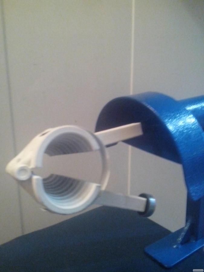 Орехокол стальной полупромышленный(прибор для чистки орехов)