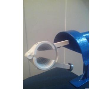 Орехокол сталевий напівпромисловий(прилад для чищення горіхів)