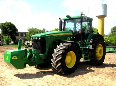 Трактор John Deere 8420 (2005)