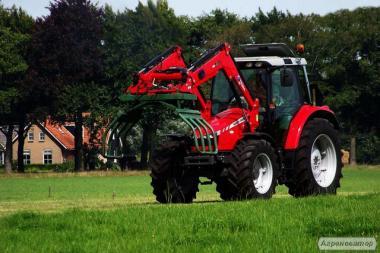 Колісний трактор Massey Ferguson 5450