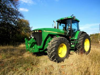 Трактор John Deere 8200 (1998)