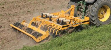 Дисколаповый почвообрабатывающий агрегат Maximulch Serie 3