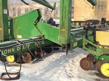 Пропашная сеялка пневматическая точного высева 16 ряд John Deere 7200