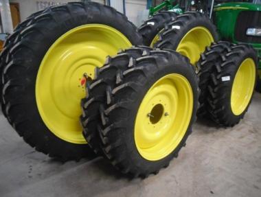 Комплект колес Alliance 270/95R48 & 270/95R32 (2016)