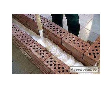 Утеплюємо будинки шляхом заповнення стінових порожнин піноізолом