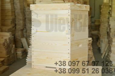 Улей 12-рамочный на три корпуса «Дадан» 300мм