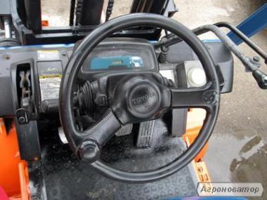 Газовий навантажувач Тойота вагонник