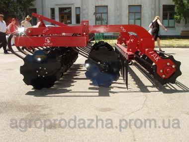 Дисковая борона-лущильник ДЛ-2,5  с трактором мощностью не более 80 л.с