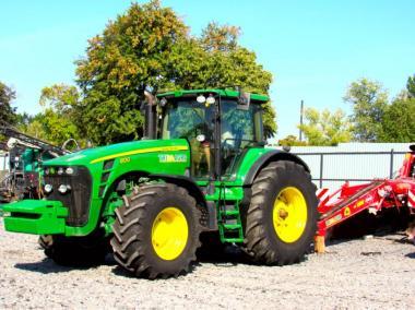 Трактор John Deere 8130 (2009)