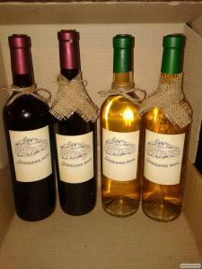 Продам Закарпатське Біле та Червоне вино Без добавок 100% натуральне!