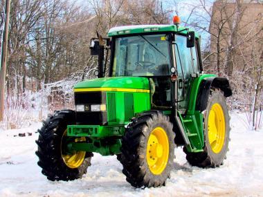 Трактор John Deere 6510 (2000)