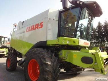 Свежепривезенный комбайн Claas Lexion 460 Evolution Рік випуску 2002.