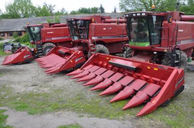 Послуги по збиранню зернових та технічних культур CASE AFX 2388