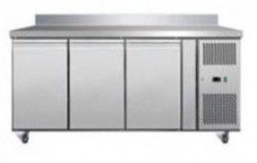 Стіл морозильний 3-х дверна з бортиком GN3200BT