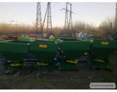 Розкидач мінеральних добрив МВД-1200 (МВС