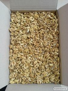 Експорт очищеного волоського горіха.