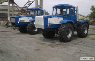 Колісний універсальний сільськогосподарський трактор ХТА-220