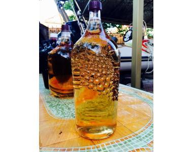 Продам натуральное элитное белое вино Мускат-Оттонель