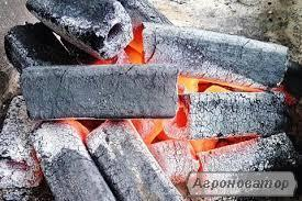Древесно угольный брикет ПИНИ-КЕЙ дуб не дорого продам.