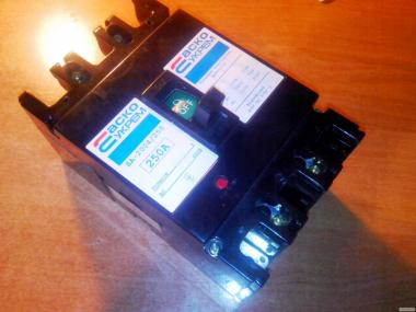 Автоматический выключатель ВА-2004/250 силовой 3-полюсный, автомат