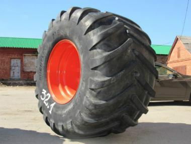 Шина Michelin 1050/50 R 32 с диском