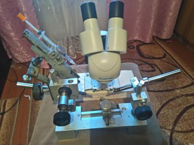 верстат для В. О. бджоломаток+мікроскоп.