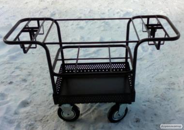 Візок для перевезення ветеринарних інструментів у відділі опоросу