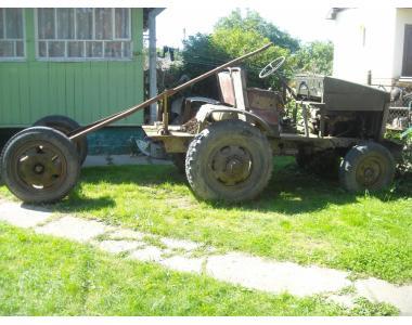 Продам трактор з причепом