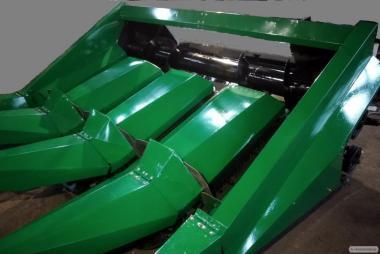 КМС-4 Жатка 4 рядна кукурудзяна з подрібнювачами