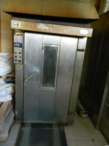 Продам б/у печь кондитерскую