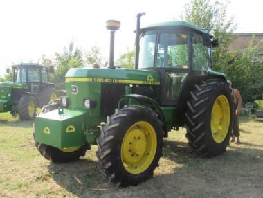 Трактор John Deere 3040 (1986)