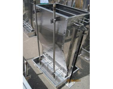 кормовый автомат для увлажненного корма