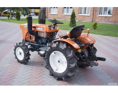 Міні-трактор Kubota B6001 4WD