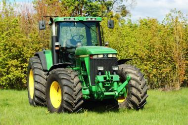 Трактор John Deere 8200 (2001)