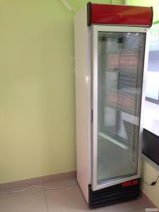 Продам холодильный шкаф б/у