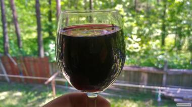 Пропоную 100% з сухе вино, домашній коньяк (чача)