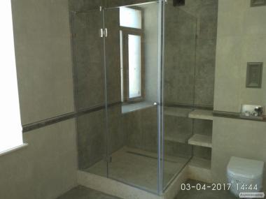 Скло для душових кабін, скляних конструкцій