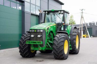 Колісний трактор John Deere 8430